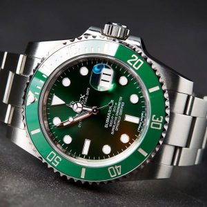 "Rolex Submariner 116610LV ""The Hulk"""
